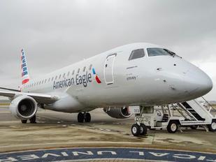 N263NN - American Eagle Embraer ERJ-175 (170-200)
