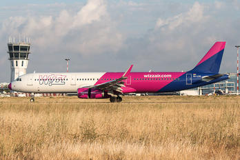 HA-LXH - Wizz Air Airbus A321