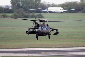 87-24642 - USA - Army Sikorsky UH-60A Black Hawk