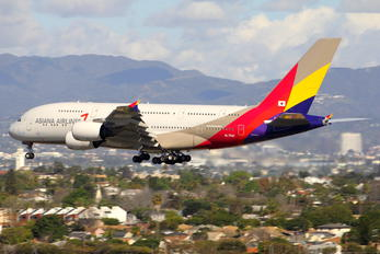 HL7641 - Asiana Airlines Airbus A380