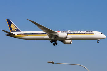 9V-SCA - Singapore Airlines Boeing 787-10 Dreamliner