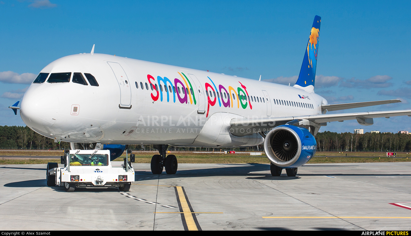 Small Planet Airlines SP-HAZ aircraft at Bydgoszcz - Szwederowo