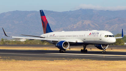 N557NW - Delta Air Lines Boeing 757-200
