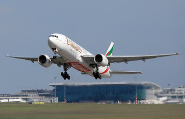 A6-EMJ - Emirates Airlines Boeing 777-200