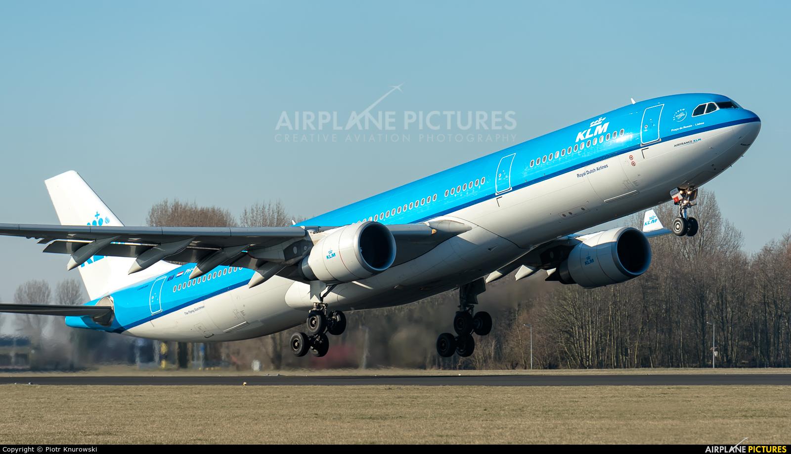 KLM PH-AKE aircraft at Amsterdam - Schiphol