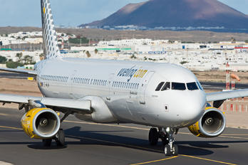 EC-MLM - Vueling Airlines Airbus A321