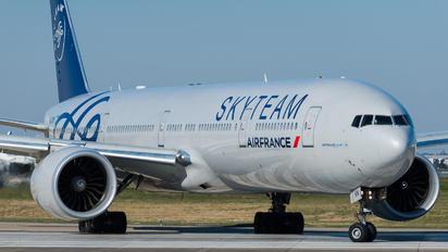 F-GZNN - Air France Boeing 777-300ER
