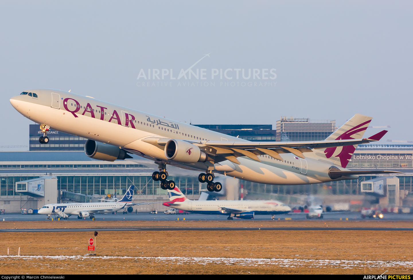 Qatar Airways A7-AEO aircraft at Warsaw - Frederic Chopin