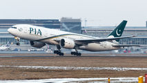 AP-BGK - PIA - Pakistan International Airlines Boeing 777-200ER aircraft