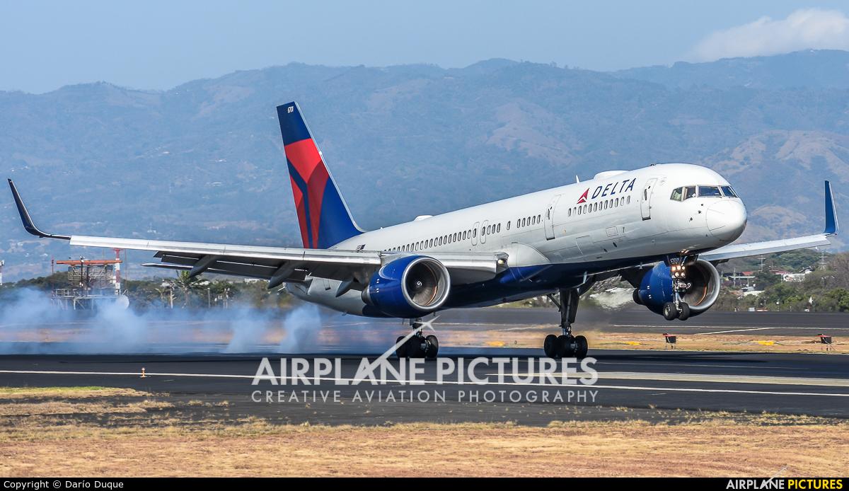 Delta Air Lines N6701 aircraft at San Jose - Juan Santamaría Intl