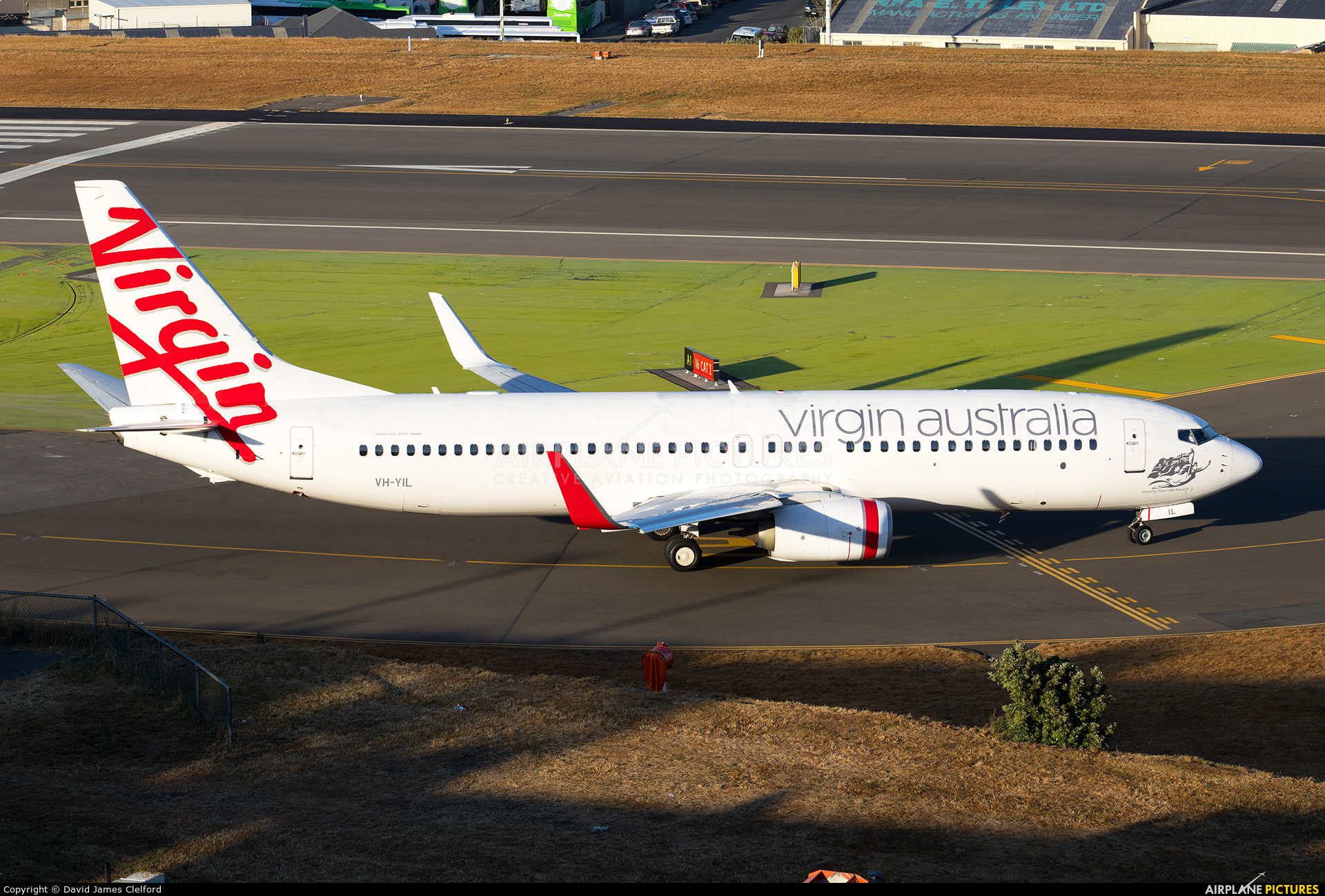 Virgin Australia VH-YIL aircraft at Wellington Intl