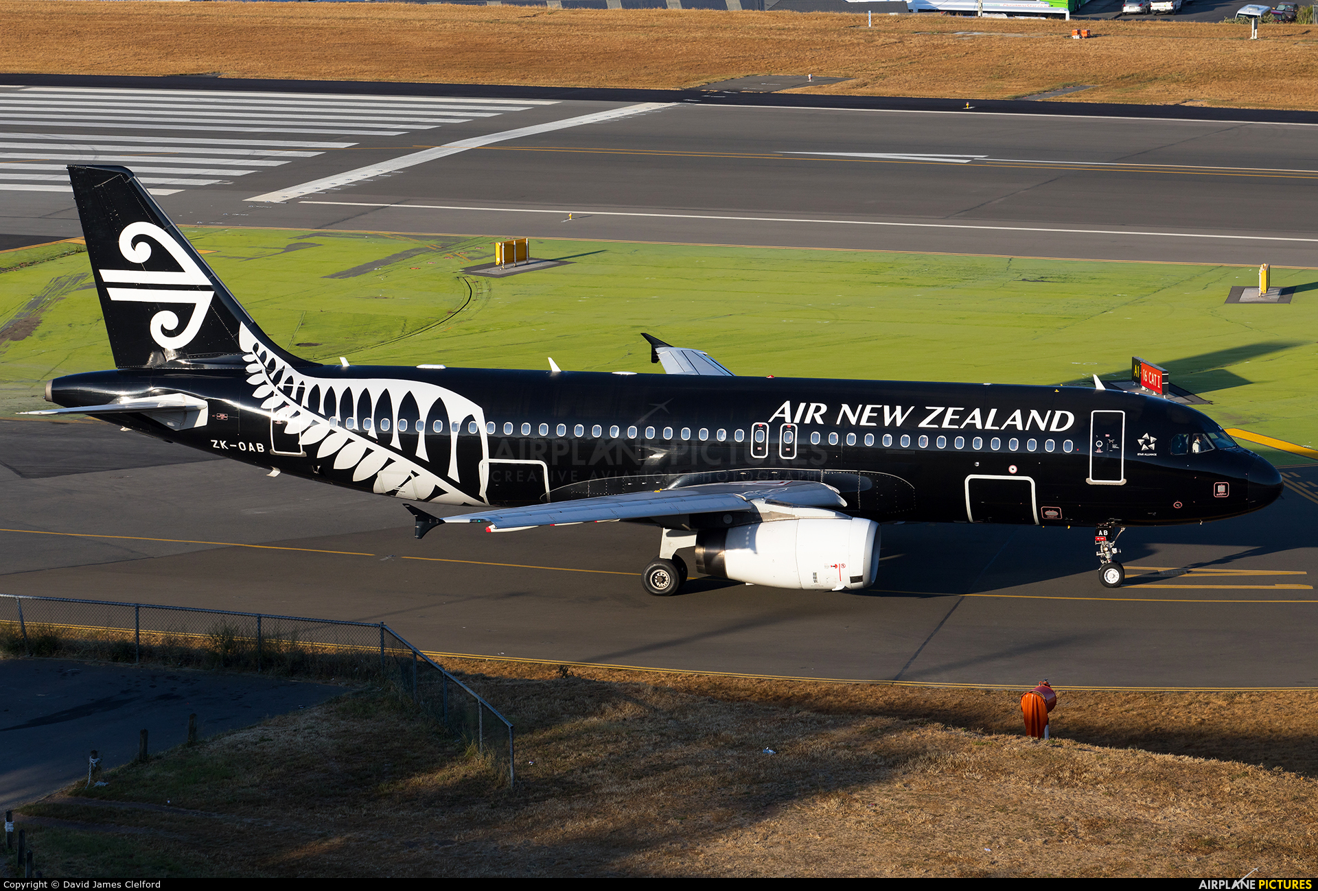 Air New Zealand ZK-OAB aircraft at Wellington Intl