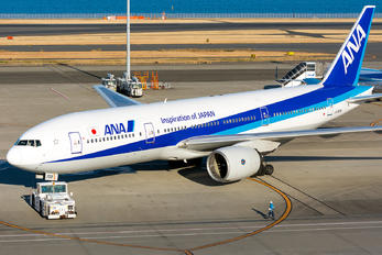 JA703A - ANA - All Nippon Airways Boeing 777-200
