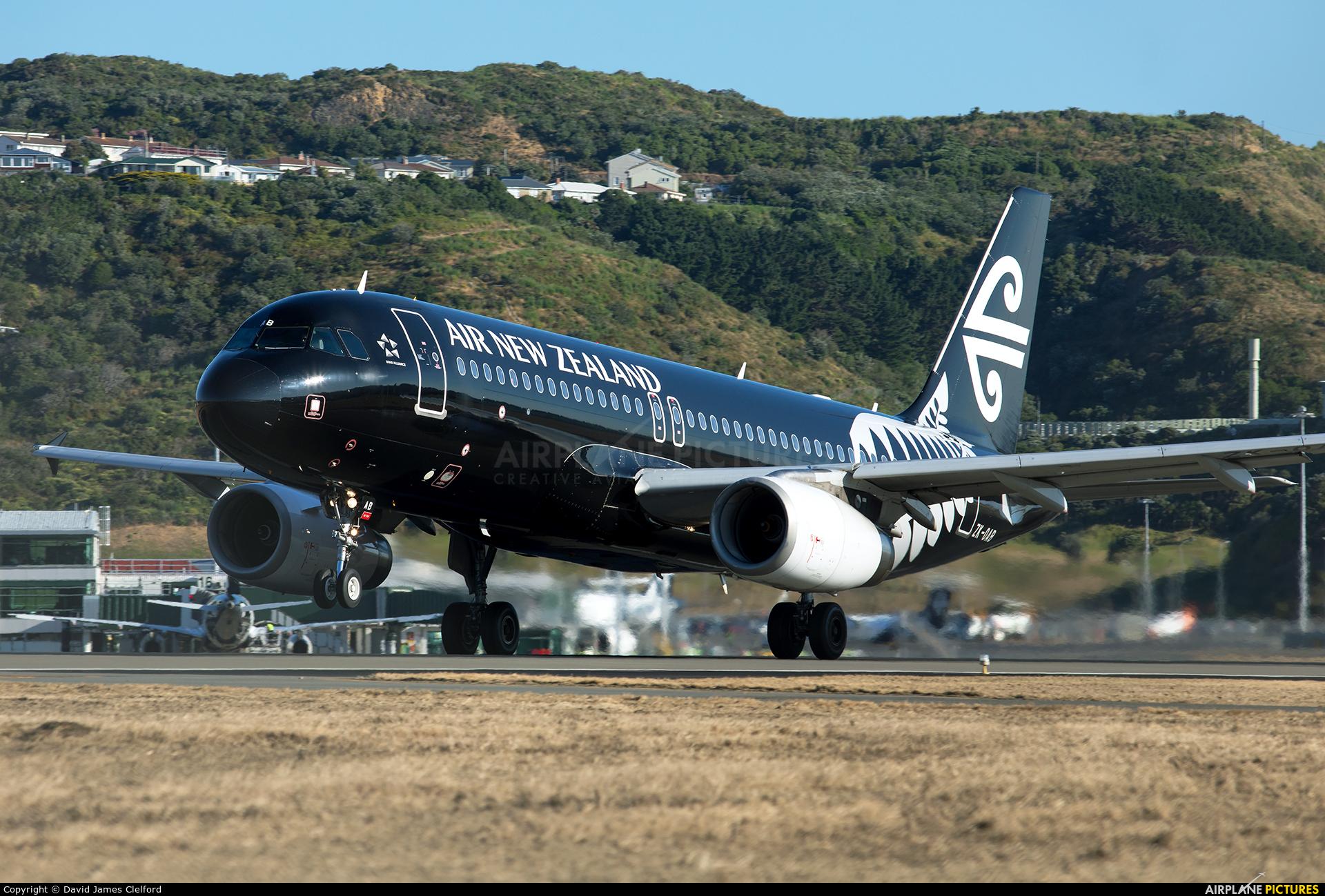 Air New Zealand ZK-OAB aircraft at Wellington Intl