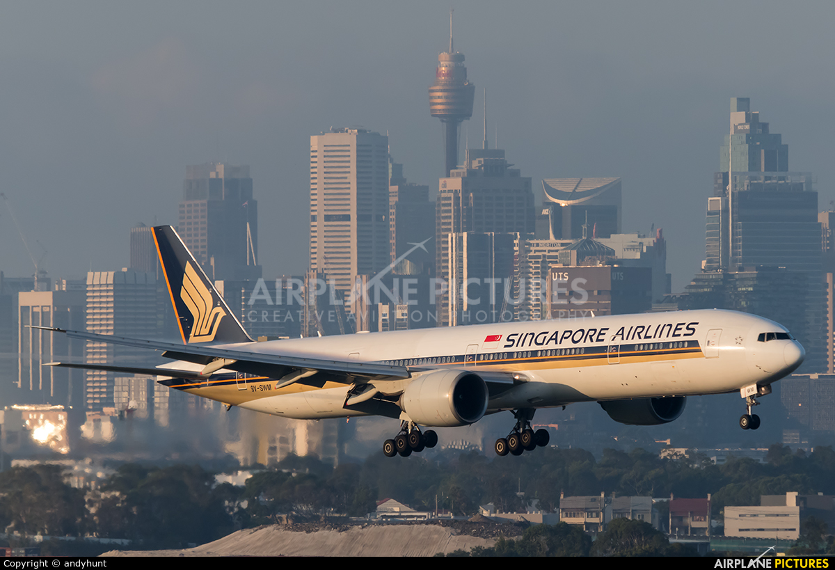 Singapore Airlines 9V-SWM aircraft at Sydney - Kingsford Smith Intl, NSW