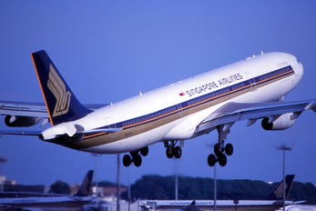 9V-SJI - Singapore Airlines Airbus A340-300