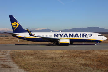 EI-FZI - Ryan Air Boeing 737-8AS