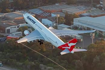 VH-EBS - QANTAS Airbus A330-200