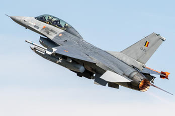 FB-22 - Belgium - Air Force General Dynamics F-16B Fighting Falcon