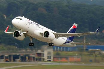 PT-TMM - LATAM Brasil Airbus A320 NEO