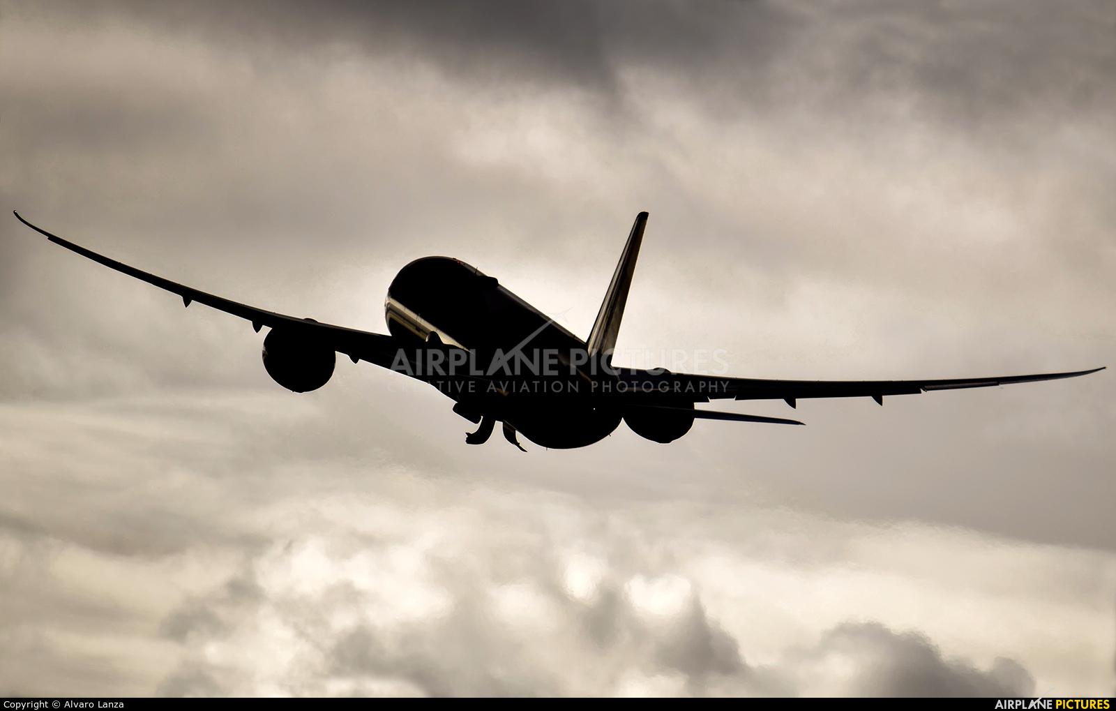 Etihad Airways A6-BLP aircraft at Madrid - Barajas