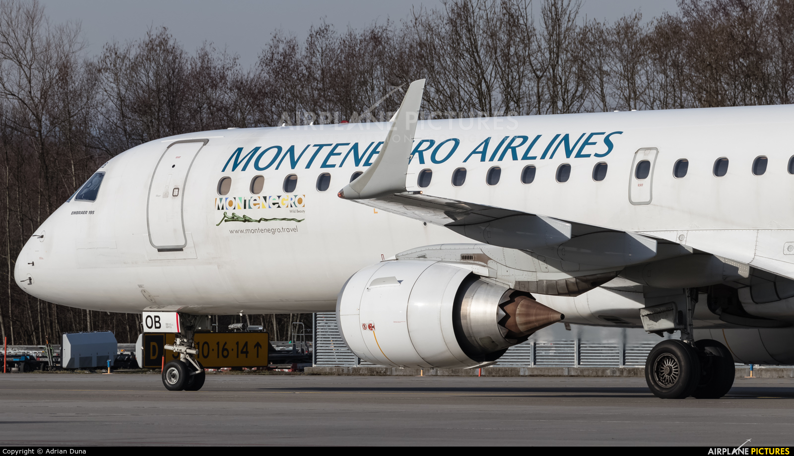 Montenegro Airlines 4O-AOB aircraft at Zurich