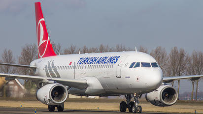 TC-JPT - Turkish Airlines Airbus A320