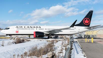 C-FSDB - Air Canada Boeing 737-8 MAX