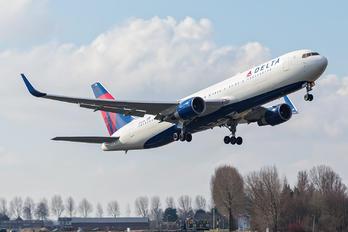 N180DN - Delta Air Lines Boeing 767-300ER