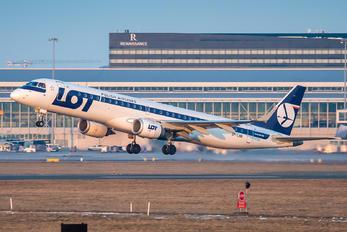 SP-LNB - LOT - Polish Airlines Embraer ERJ-195 (190-200)