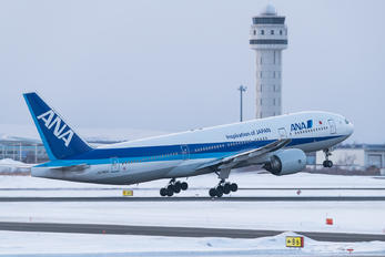 JA742A - ANA - All Nippon Airways Boeing 777-200ER