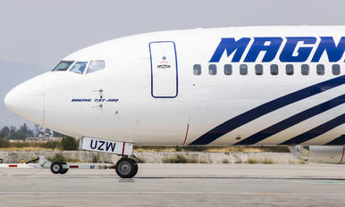 XA-UZW - Magnicharters Boeing 737-300