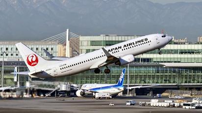 JA330J - JAL - Japan Airlines Boeing 737-800
