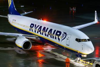 EI-FIC - Ryanair Boeing 737-800