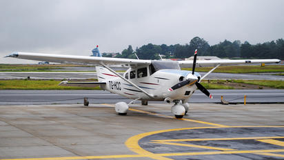 TH-HCC - Private Cessna 210 Centurion