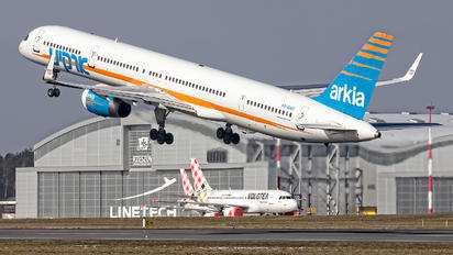 4X-BAU - Arkia Boeing 757-300