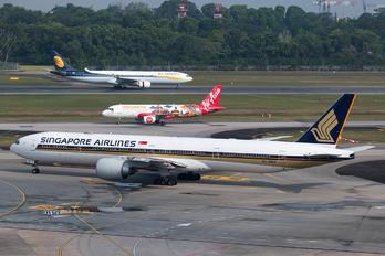 9V-SNA - Singapore Airlines Boeing 777-300ER