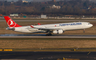 TC-LOD - Turkish Airlines Airbus A330-300