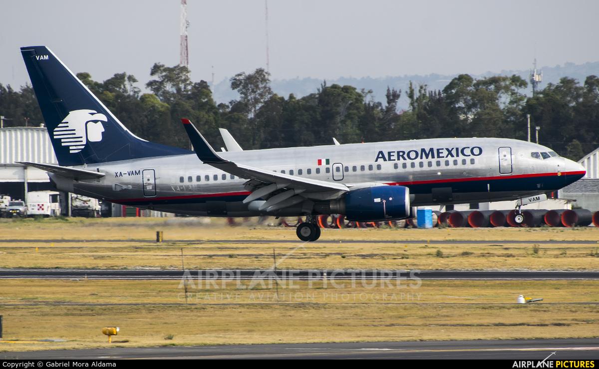 XA-PAM - Aeromexico Boeing 737-700 at Mexico City
