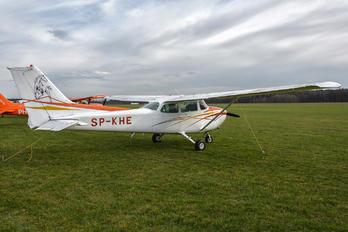 SP-KHE - Private Cessna 172 Skyhawk (all models except RG)