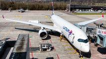 A7-AMB - Qatar Airways Airbus A350-900 aircraft
