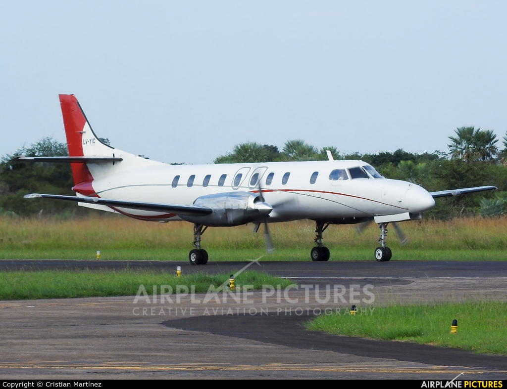 Flying America LV-YIC aircraft at Formosa Intl