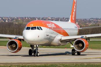 G-EZPW - easyJet Airbus A320