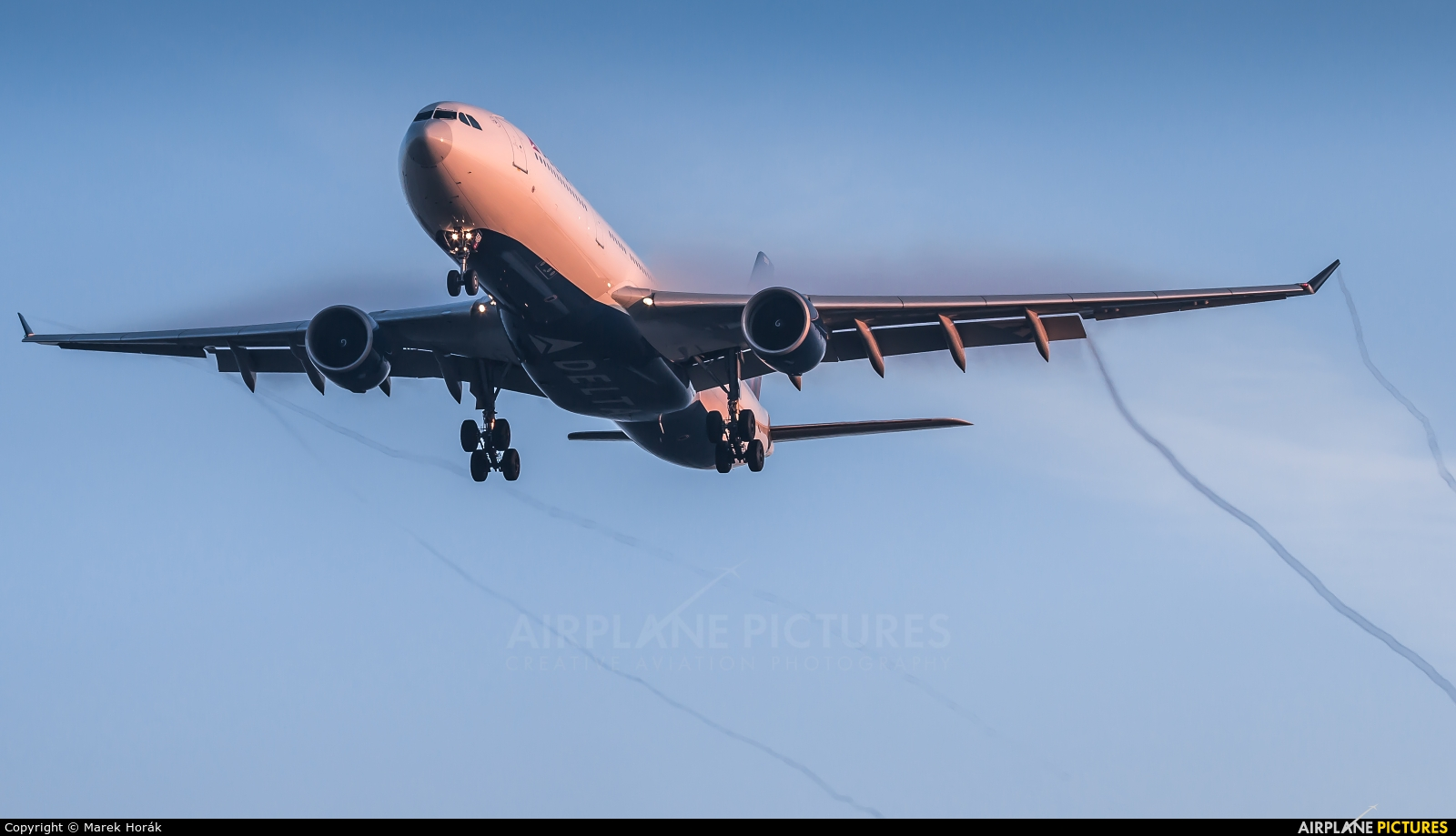 Delta Air Lines N808NW aircraft at Amsterdam - Schiphol