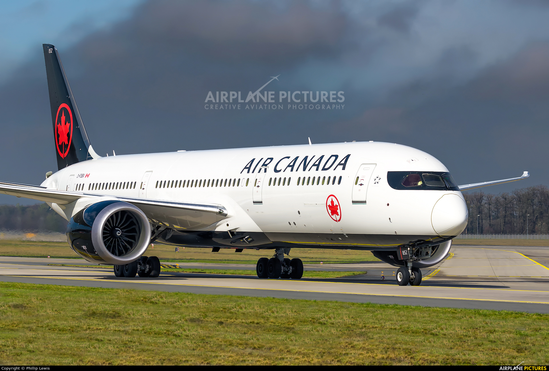 Air Canada C-FSBV aircraft at Frankfurt