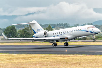 N802CB - Private Bombardier BD-700 Global 6000