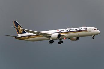 9V-SCB - Singapore Airlines Boeing 787-10 Dreamliner