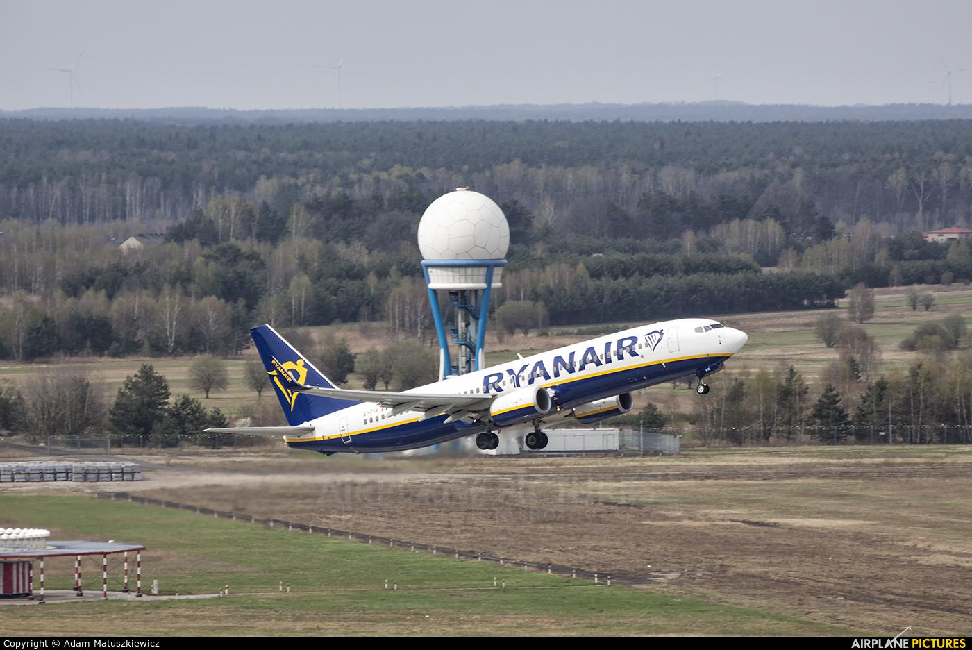 Ryanair EI-FIK aircraft at Katowice - Pyrzowice