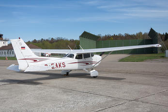 D-EAKS - Private Cessna 172 Skyhawk (all models except RG)