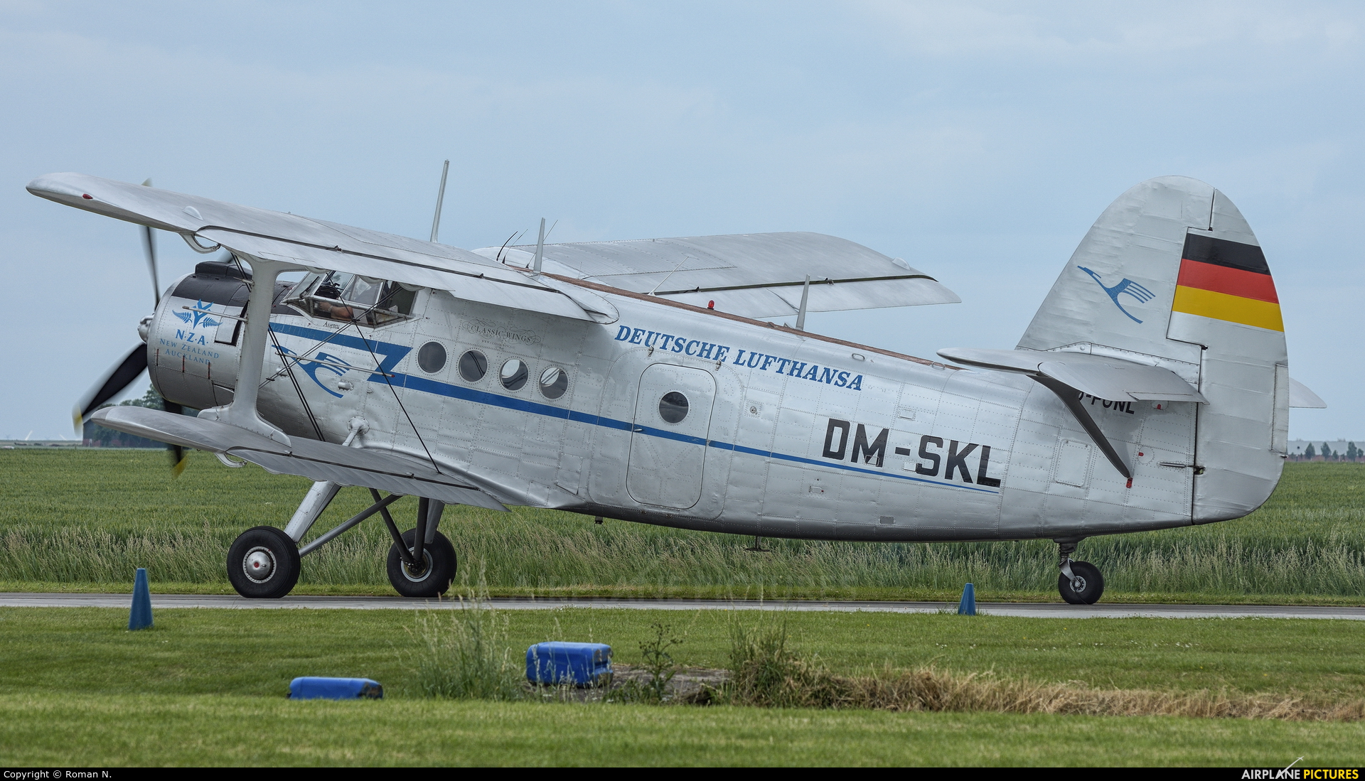 Classic Wings D-FONL aircraft at Oostwold